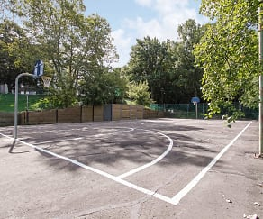 Basketball Court, The Highlands