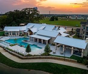 Pool, Asher Oaks