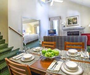 Dining Room, Residences at Daniel Webster