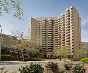 Building, Oakwood Crystal City- Furnished Apartments