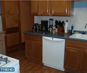 Kitchen, 5240 Saul St
