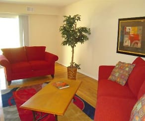 Living Room, The Heights at Spring Lake