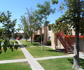 Landscaping, Colony Garden Apartments