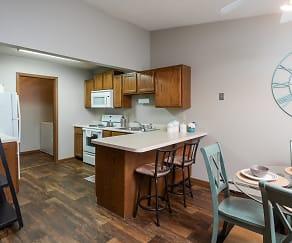 Kitchen, Creekstone Falls