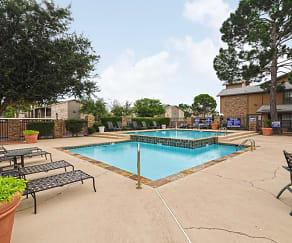 Pool, Autumn Chase