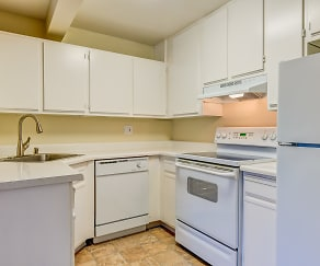 Kitchen, Heritage Grove