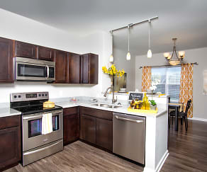 Kitchen, Stone Ridge Apartments & Townhomes at the Ridge