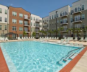 Pool, Lumina Apartments