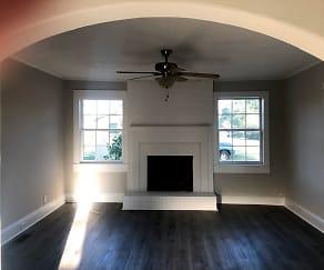 Living Room, 402 Kerr St