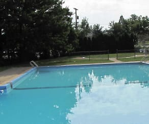 Pool, Seneca-Broadview Hills