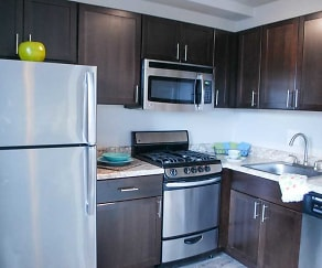 Kitchen, 611 Park Avenue