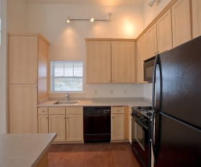 Kitchen, Enclave at Charles Pond
