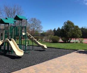 Playground, Fairfield Courtyard at Lake Grove
