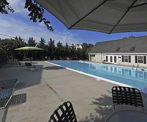 Pool, Creekpointe Apartment Homes