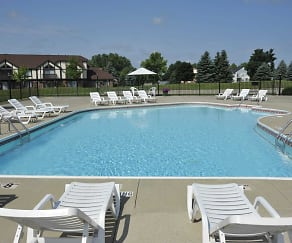 Pool, Thornridge Apartments