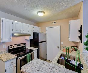 Kitchen, Hilliard Station Apartments