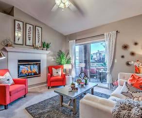 Living Room, Madera