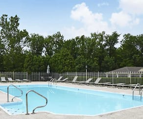 Pool, Brookridge Village