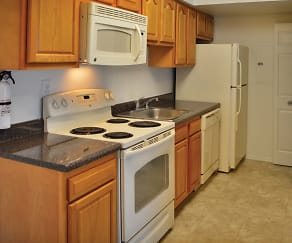 Kitchen, Tamarron Apartments