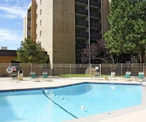 Pool, Los Altos Towers