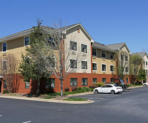 Building, Furnished Studio - Asheville - Tunnel Rd.