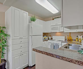 Ideal Kitchen Layout with Large Pantry, Castlepark Resort Apartments