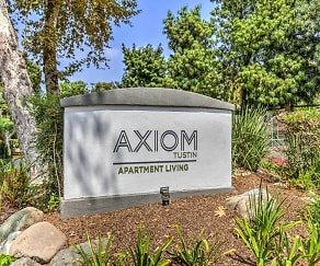 Community Signage, Axiom Tustin