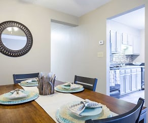 Dining Room, The Pines of Roanoke Apartments