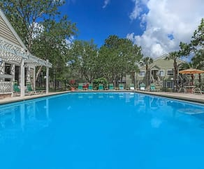 Pool, Verandahs at Hunt Club Apartments