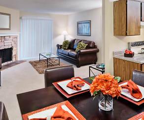 Living/Dining, Arlington Oaks