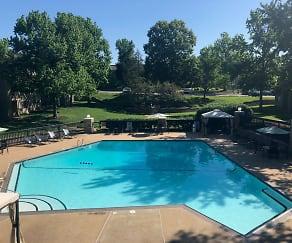 Pool, Taravue Park