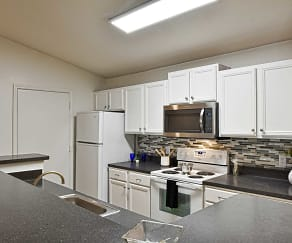 Kitchen, Enclave at Lake Underhill