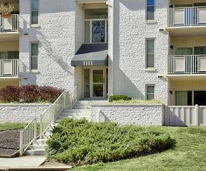 Building, Annapolis Roads Apartments