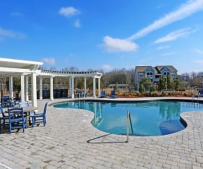Pool, Grandview Pointe at Millbrook