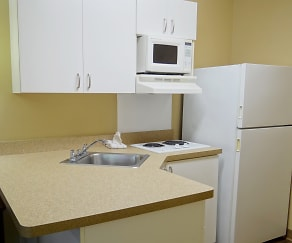 Kitchen, Furnished Studio - Fayetteville - Owen Dr.