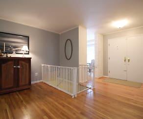 Foyer.JPG, 4200 Kilbourne Dr