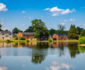 Lakefront Living, Crystal Lakes