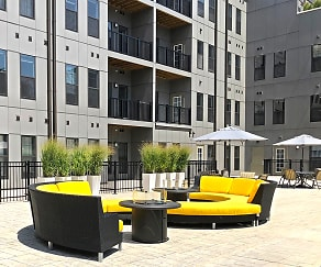 1400 Russell Luxury Apartments