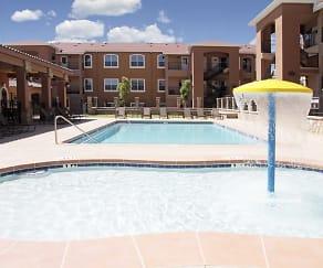 Pool, Las Torres