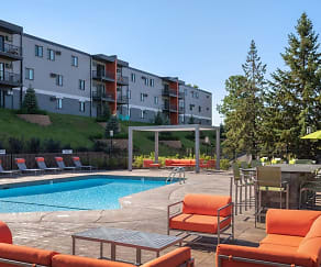 Pool, Pointe at Cedar Grove
