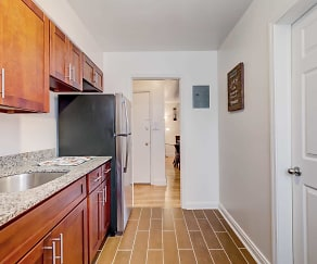 Kitchen, Loch Raven Village Apartments