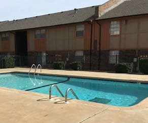 Pool, Foxcroft Apartments