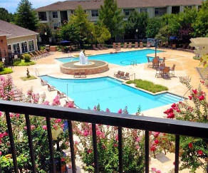 Pool, Samford Square
