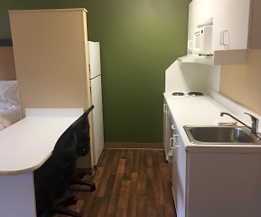 Kitchen, Furnished Studio - Columbus - North