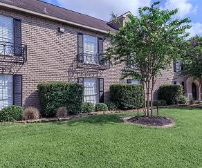 Building, Residence at Garden Oaks