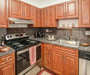 Kitchen, Windsor Forest Apartments