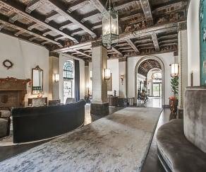 Clubhouse, El Royale