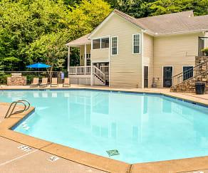 Pool, Willeo Creek Apartments