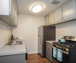 Kitchen, The Preserve at Woodfield