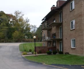 Building, Shayler Brook Apartments